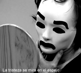la-tristeza-se-mira-en-el-espejo-1