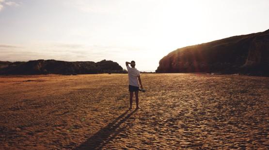 alejandro-bocanegra-blog-moda-hombre-playa-atardecer-moda-masculina-polo-swimwear-0-1440x809